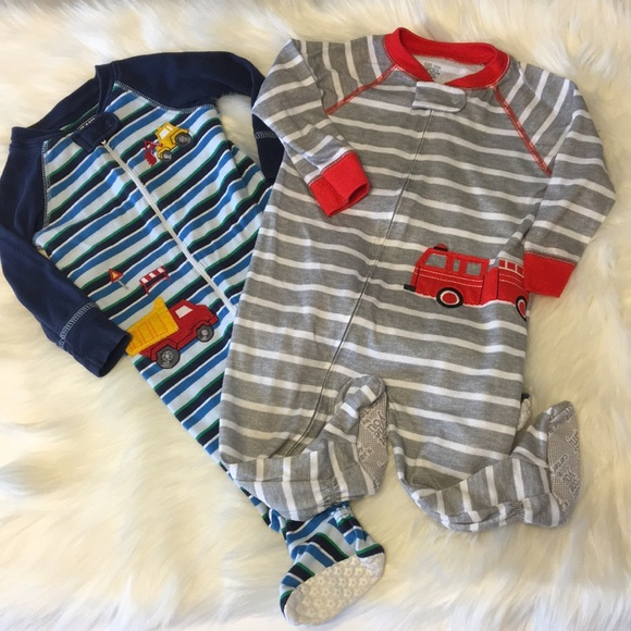 857a0ac1f454 2 Baby Boy Zip Up Sleepers Size 12 Months